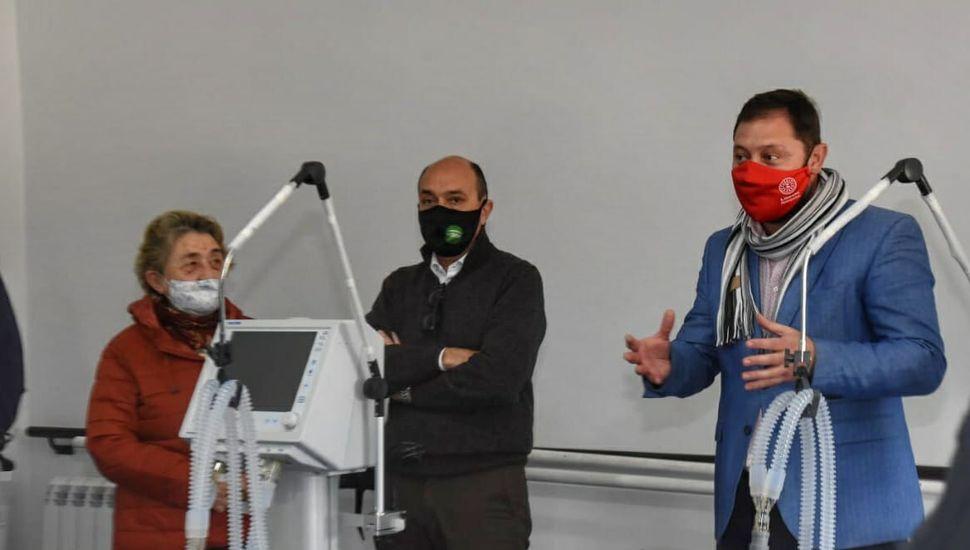 """Entregaron respiradores adquiridos mediante la """"Colecta Solidaria"""""""