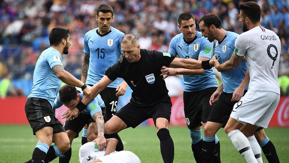 El árbitro Néstor Pitana dirigió un buen partido.