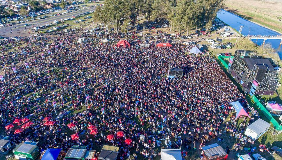 Miles de jóvenes disfrutaron de los festejos por el Día de la Primavera