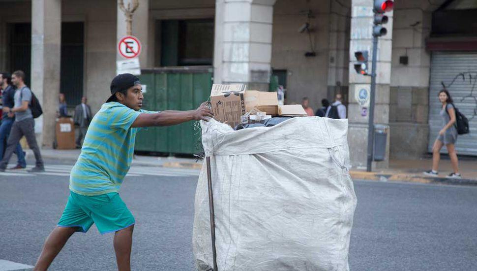 """La devaluación obliga a decirle adiós  a la """"pobreza cero"""" en la Argentina"""