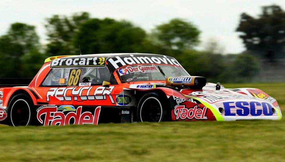 Mariano Werner, en la conducción del Ford.