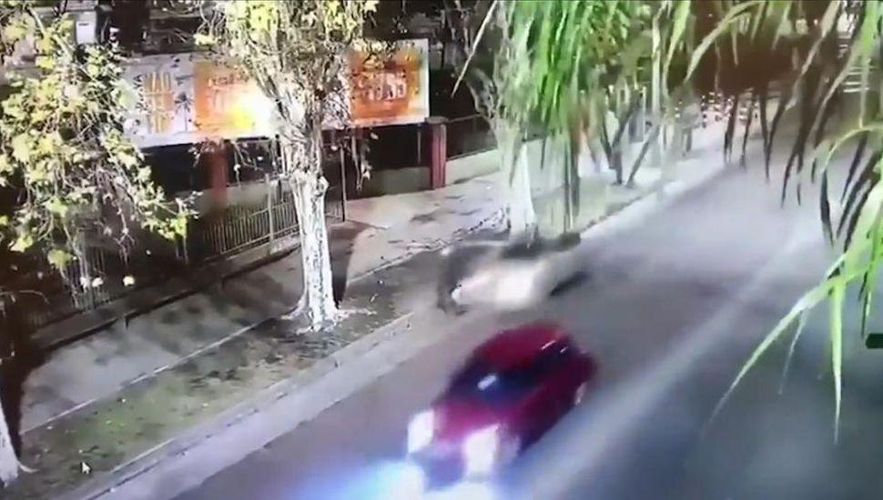 Atropelló borracho, escapó y chocó a las 8 cuadras: dejó grave a un ciclista