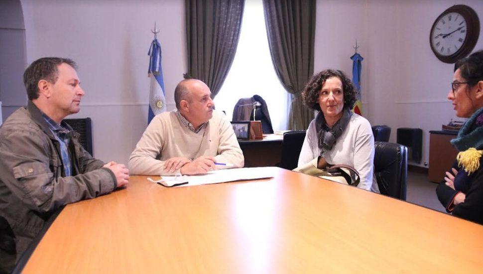 Guerrera entregó un subsidio municipal para fomentar actividades educativas