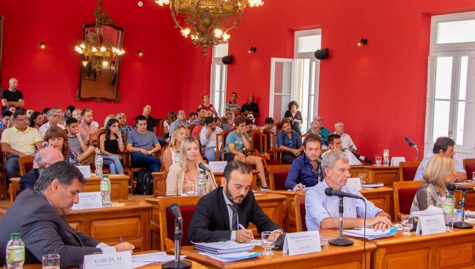 Ediles que responden al intendente Pablo Petrecca cuestionaron la suspensión de la fórmula de movilidad.