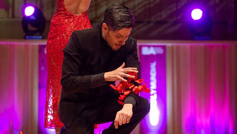 El bailarín juninense Juan Pablo Bulich se presentó varias veces en el Mundial de Tango y siempre llegó a la ronda final.