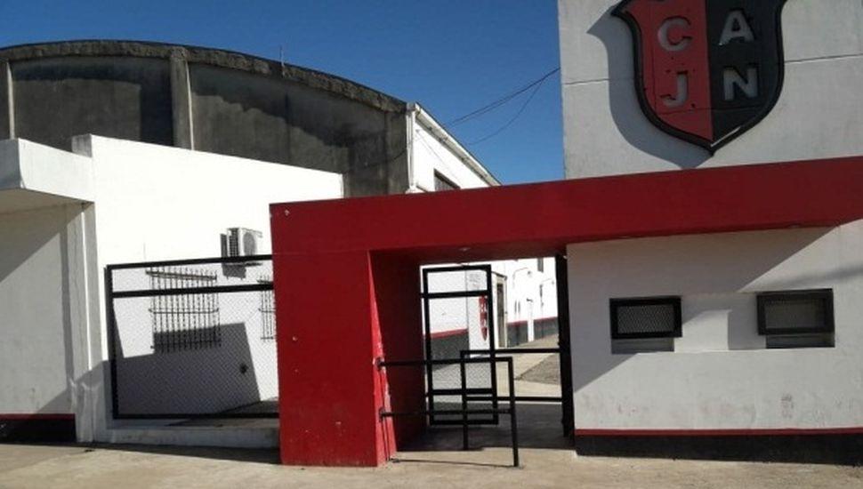 Clausuran el Club Newbery de Rojas por vender alcohol a menores