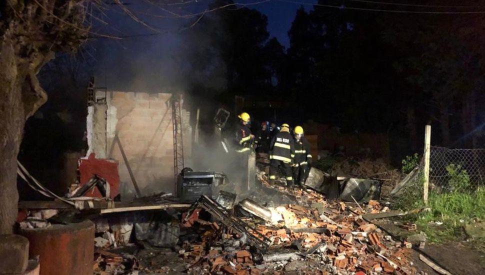 Tras un incendio murieron 5 hermanos y escaparon dos