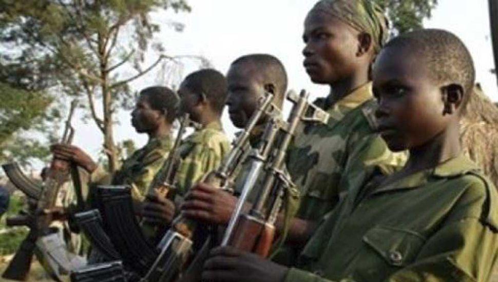 Liberan a cerca de 900 niños-soldados usados para combatir a Boko Haram