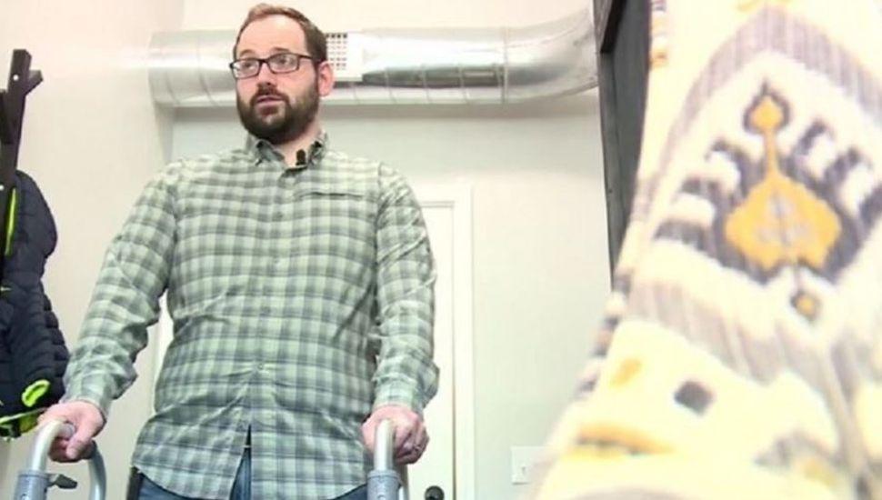 Un hombre sufrió un ACV al hacer sonar su cuello