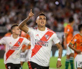 Matías Suárez festeja el único gol del partido.
