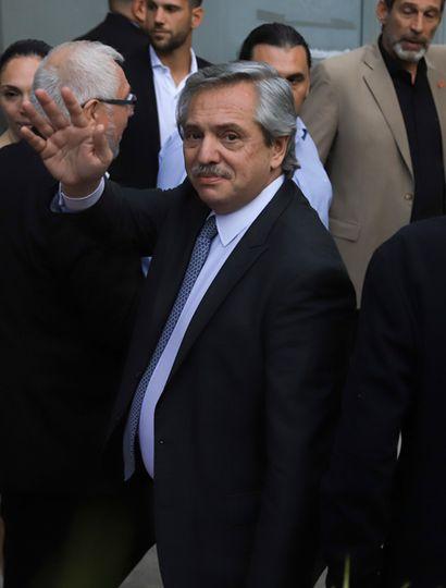 Alberto Fernández reveló que sus colaboradores ya están manteniendo reuniones con los técnicos del FMI y el premio Nobel Joseph Stiglitz participa de esas conversaciones.