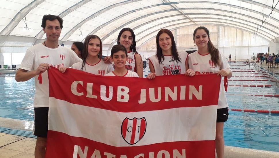 Nadadores del Club Junín, en San Isidro.
