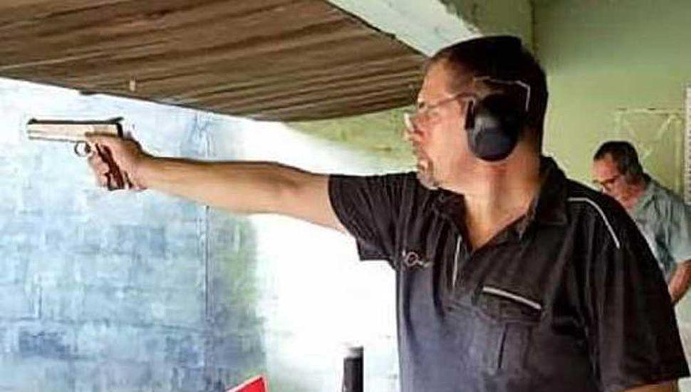 El tirador Ariel Mario Rolla fue ganador en pistola deportiva.