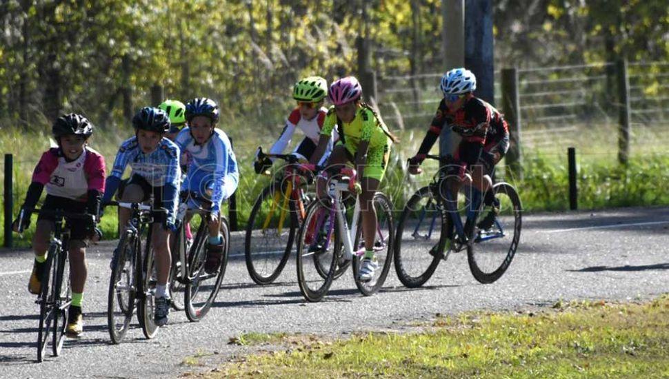 Amplia jornada de ciclismo se realizará mañana en el