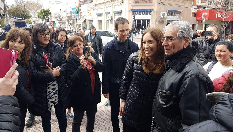 La gobernadora María Eugenia Vidal recorrió el centro junto al intendente Pablo Petrecca.