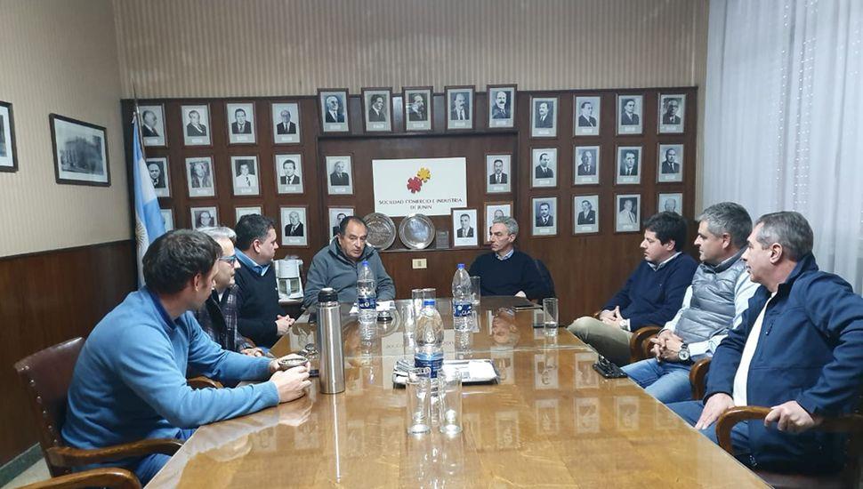 Mario Meoni se reunió con representantes de la Sociedad Comercio e Industria.