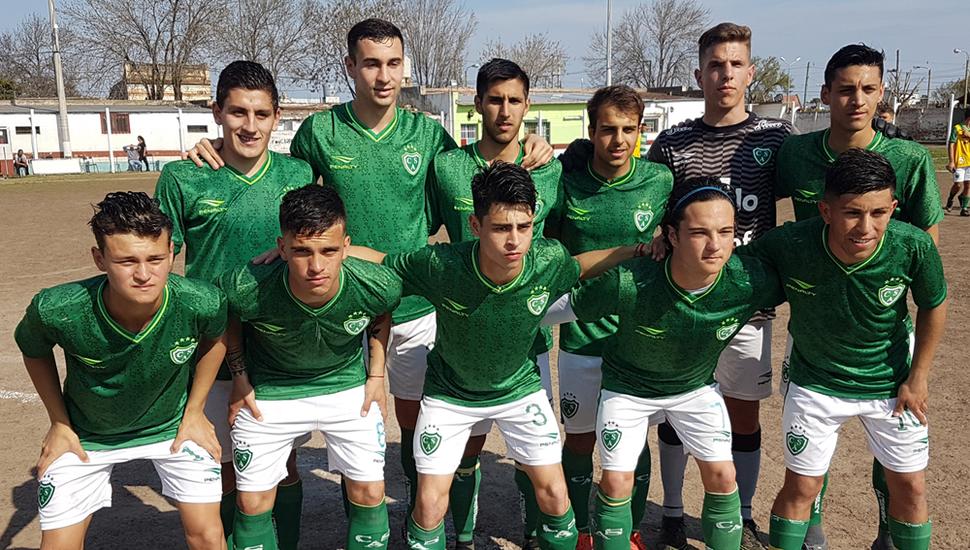 """Uno de los equipos que presentó Sarmiento en el torneo """"Clausura"""" 2019, en el que ayer terminó su participación venciendo 2 a 1 a domicilio al Deportivo Baigorrita."""