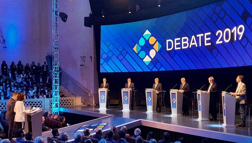 El debate, con el mismo formato de la semana anterior, tendría cruces más duros entre Mauricio Macri y Alberto Fernández.