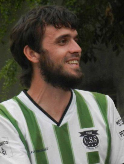 El capitán Martín Moreno, marcó dos goles para Sarmiento (G).