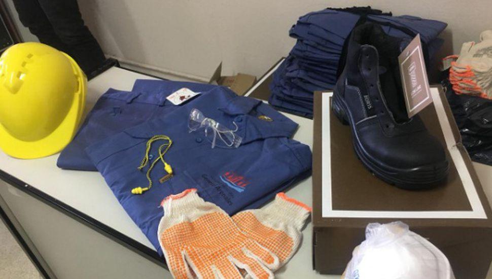 Entregaron indumentaria al personal que trabajará en el programa de reciclado