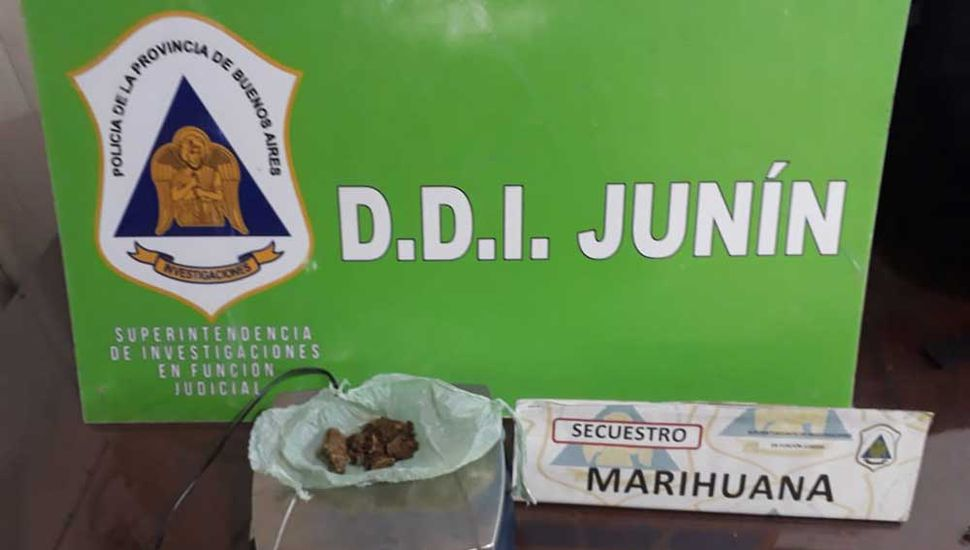 La marihuana fue incautada.