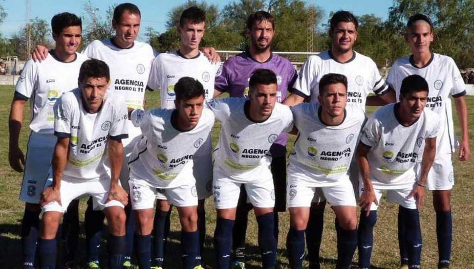Equipo titular que presentó el Club Atlético Pintense en la derrota 1-0 del domingo 12.