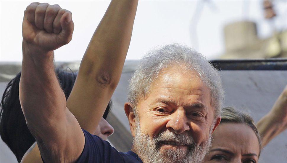 Corte de apelaciones ordenó la liberación de Lula y un juez lo rechazó