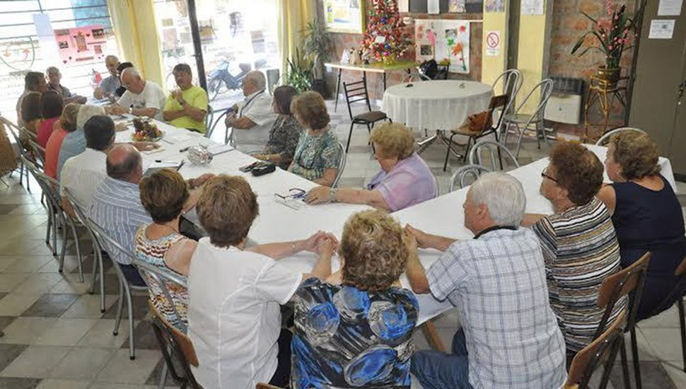 Varios centros de jubilados respondieron en la convocatoria.