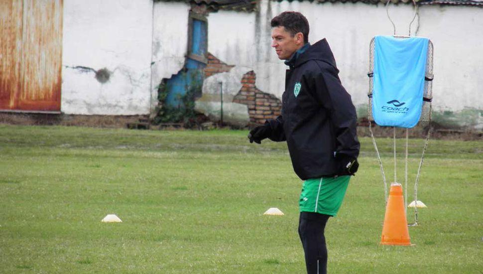 ¿Regresa a la titularidad? Matías Garrido  habló con  Democracia tras el entrenamiento.