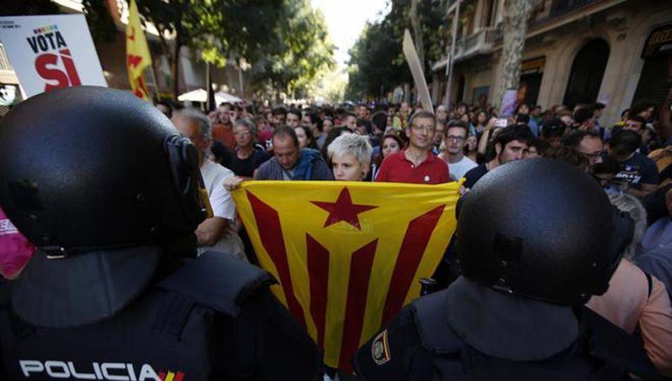 El gobierno catalán coquetea con la opción de adelantar las urnas