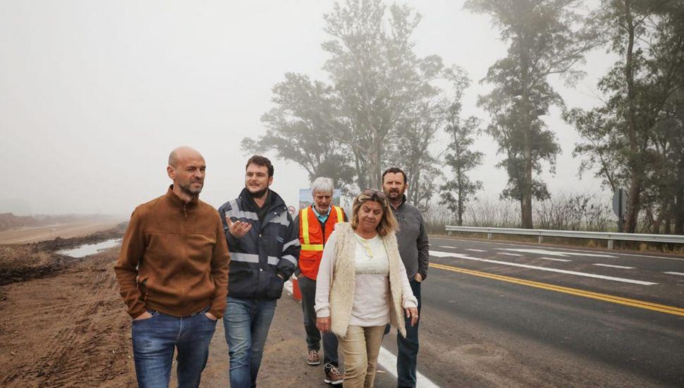 El ministro recorrió el tramo junto a personal de Vialidad.
