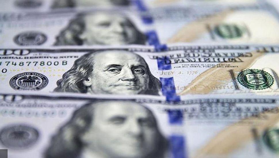 Volvió a bajar el dólar tras  su semana de furia: quedó  en $58,12 promedio