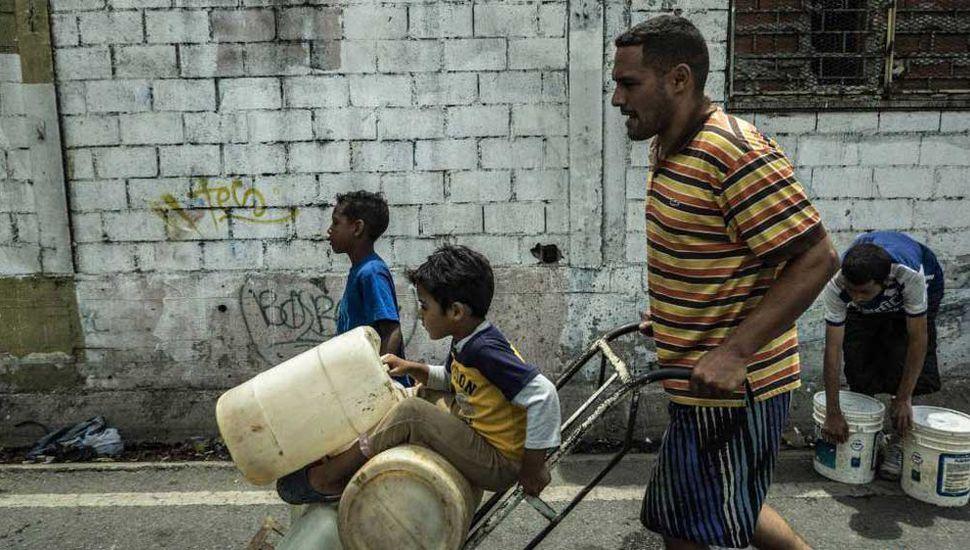 Maduro insiste en que la crisis eléctrica se debe a un sabotaje