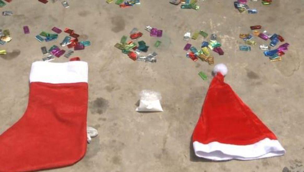 Una familia vendía droga escondida en botas y gorros de Papá Noel