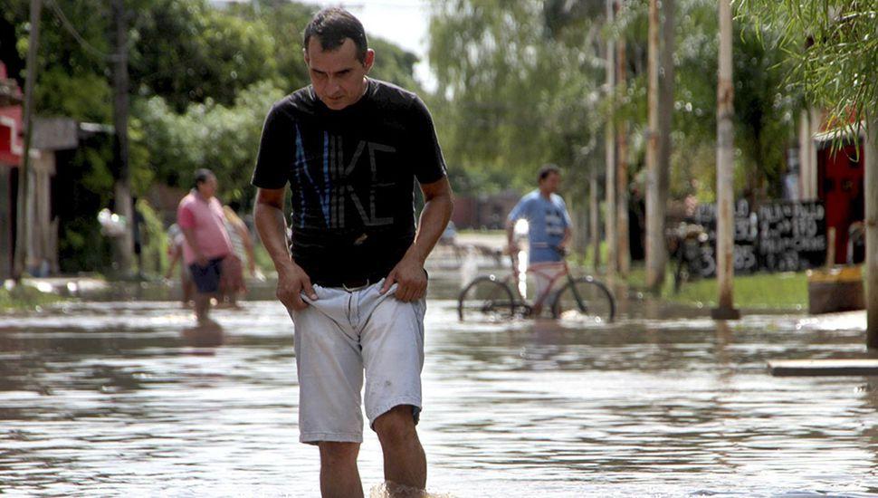 Más de 5 mil familias asistidas y cuatro muertos por el temporal en el Litoral