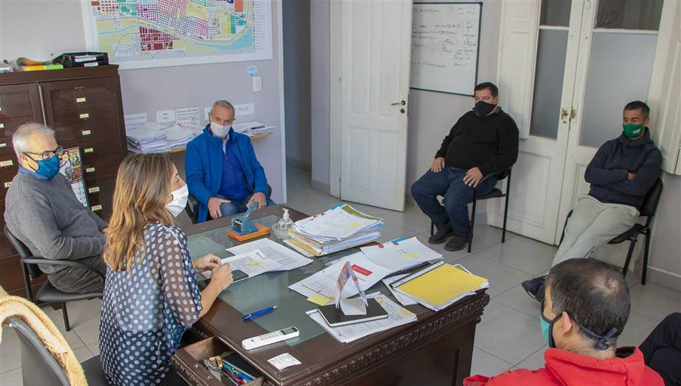 La secretaria de Gobierno, Agustina de Miguel, recibió a entrenadores juninenses.