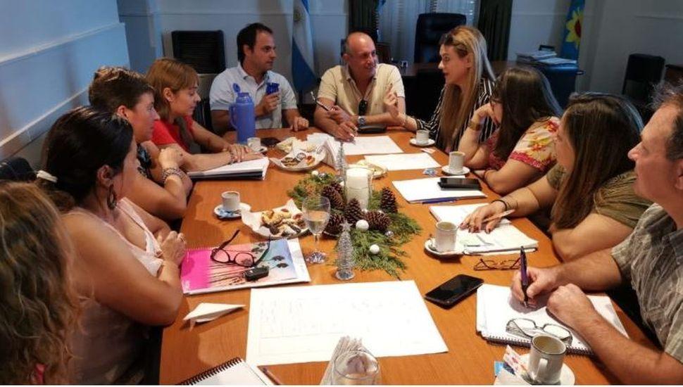 Pinto: comenzaron las reuniones para construir el edificio de la Escuela N° 5