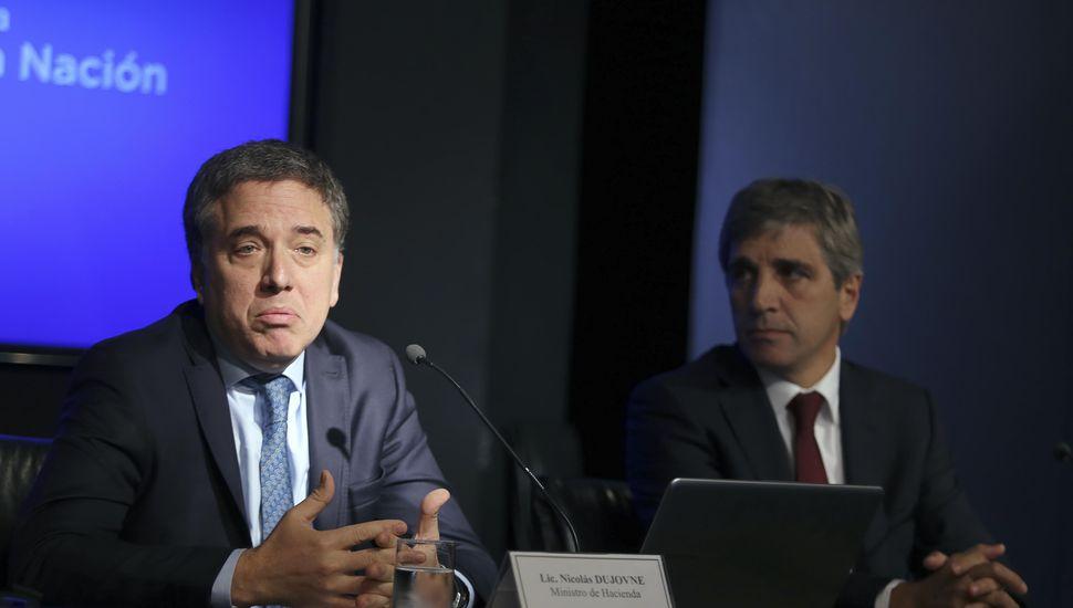 Señal de Macri al mercado: recorte del gasto público y metas fiscales más ambiciosas