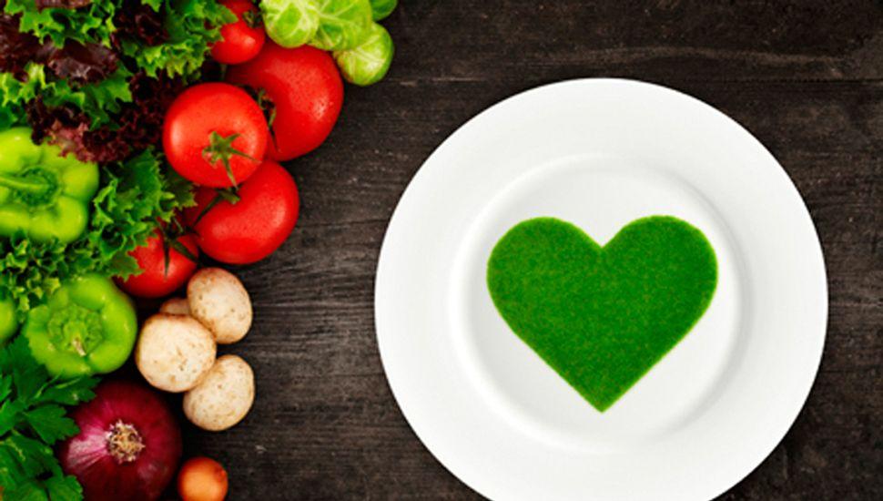 El aceite de oliva extra virgen cuida los vasos sanguíneos.