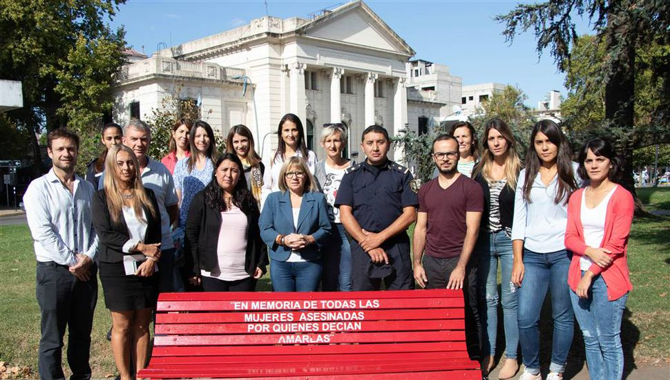 Banco Rojo como concientización sobre violencia de género