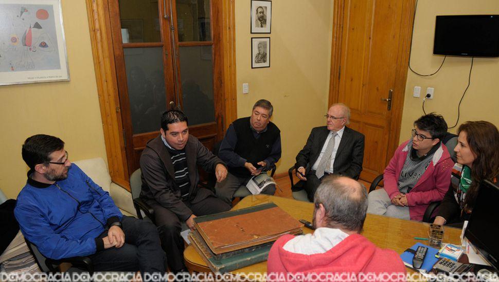 Cristian Petrecca, Cruz González, Carlos Olguín, Juan Esteban Garelli, July Miranda y Lorena Kalemberg aceptaron la convocatoria de Democracia para debatir sobre la despenalización del aborto.