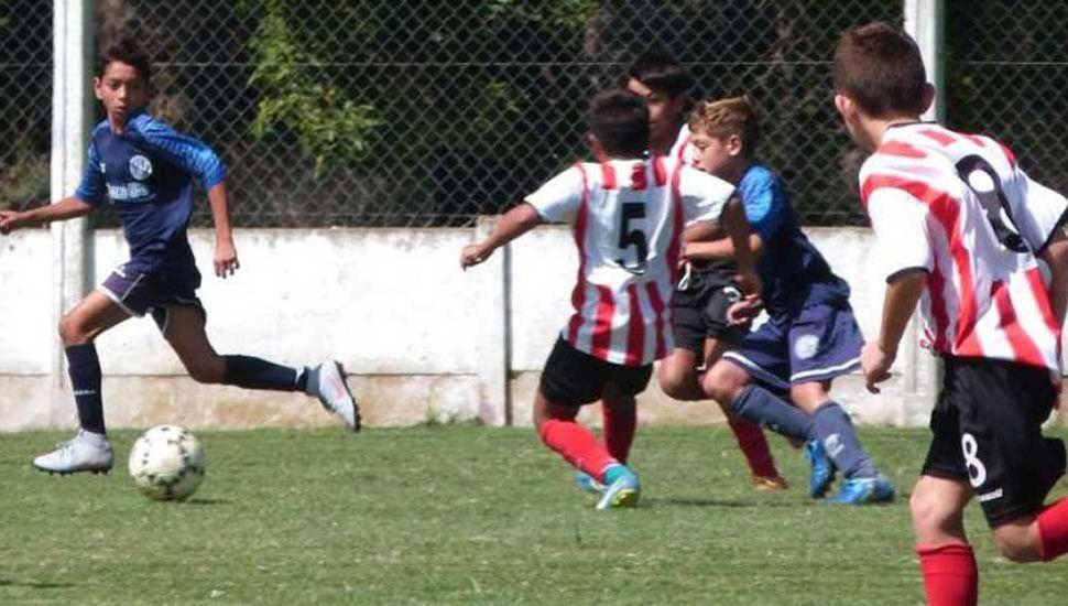 Deportivo Pinto visitó a San Martín en el inicio de los certámenes de divisiones inferiores.