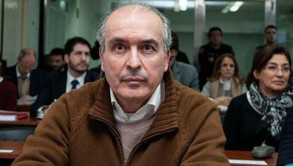 López pidió que  guarden los millones