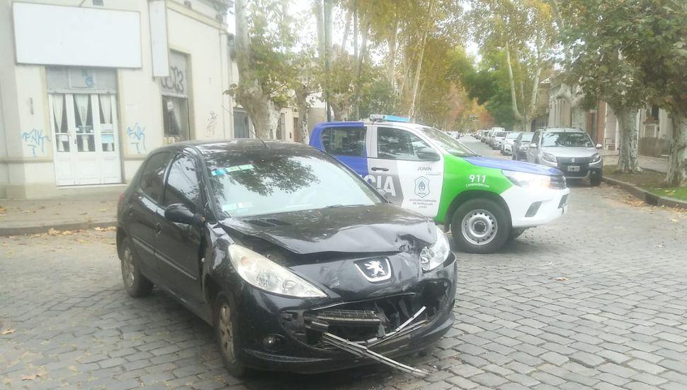 Dos autos chocaron en El Picaflor: una mujer embarazada fue trasladada al Hospital
