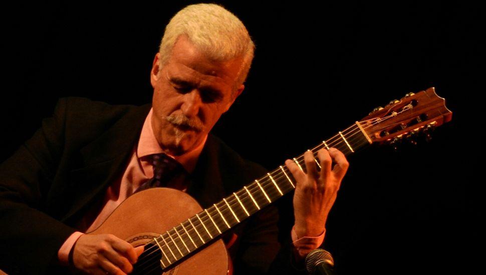 El guitarrista Villadangos deleitó al público en el Conservatorio