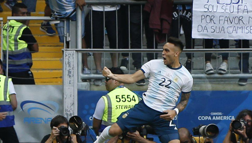 Argentina ganó y se clasificó a cuartos