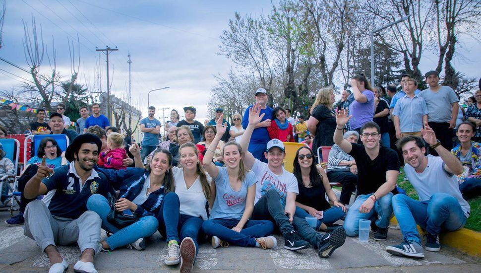 Los jóvenes se sumaron a la celebración.
