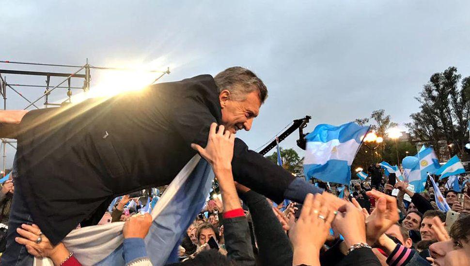 """Macri pidió fiscalizar los votos y cuidarse de """"deditos"""""""