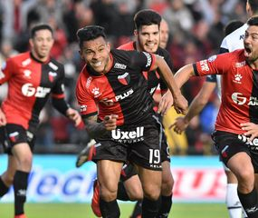 Wilson Morelo festeja el gol del triunfo.