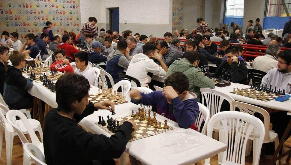 Trebejistas de varias ciudades animaron la séptima etapa del Granx Prix de Ajedrez.